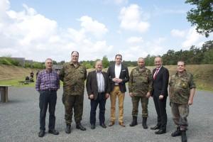 v.l.n.r.: Rolf-Peter Schmoranzer, Dr. Dirk Fischer, Prof. Dr. Bernd Rudolph, Maik Beermann( MdB), Oberstleutnant Jochen Rosendahl, Volker Meyer (MdL), Klaus Bergmann