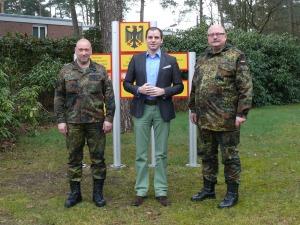 v.l.n.r. Oberstleutnant Jochen Rosendahl, MdB Maik Beermann und Oberst Wolfgang Paulik ZentrZMZBw