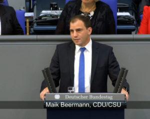 maik-beermann-am-redepult